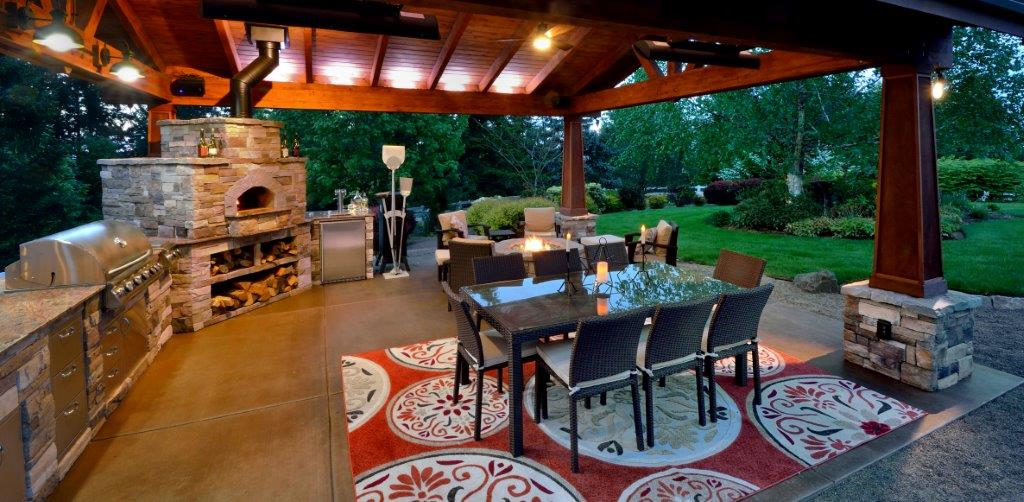 Image of a Dundee Backyard Kitchen Design and Build by Drake's 7 Dees