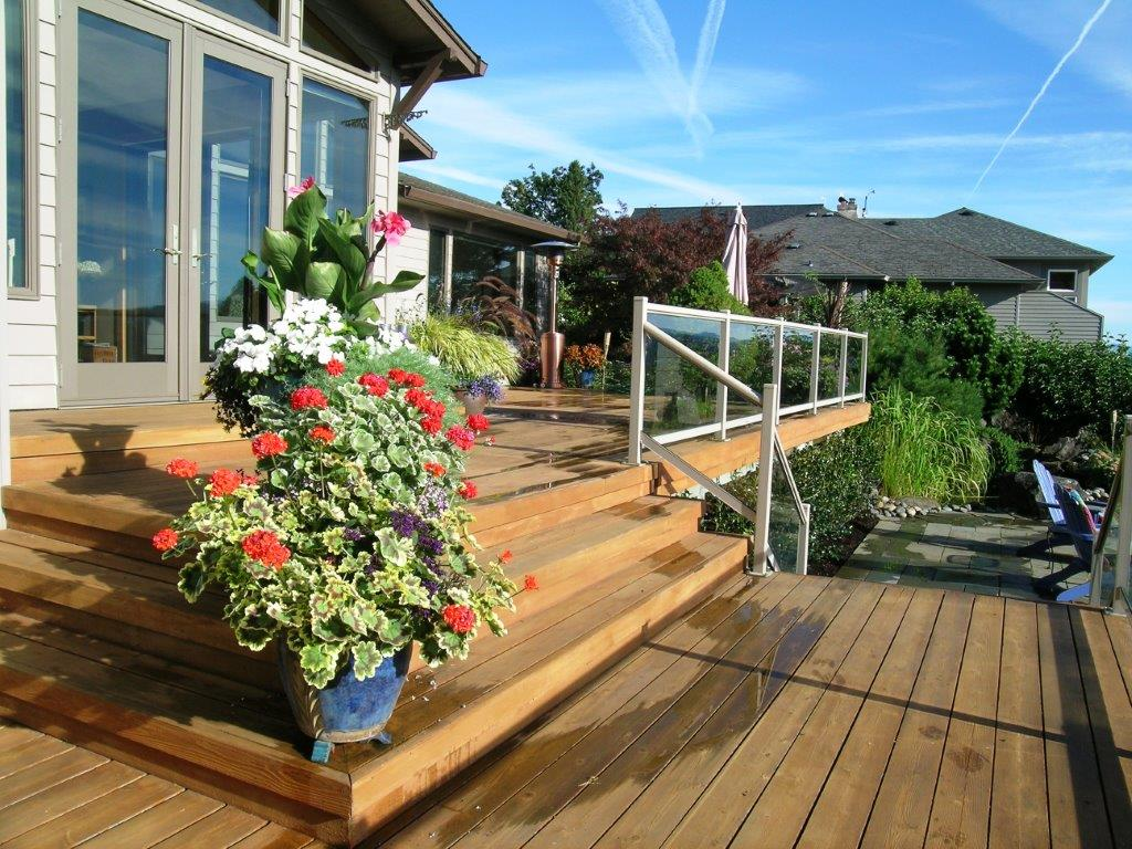 Image of a Lake Oswego deck design and construction project by Drake's 7 Dees